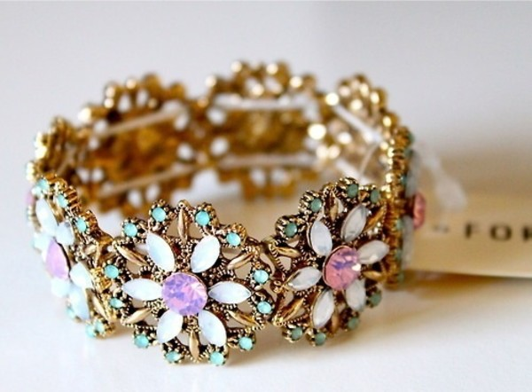 jewels bracelets bracelets flowers gold pink cream blue aqua white flowers t-shirt floral jewels jewelry clothes crystal