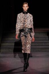 dress,animal print,leopard print,boots,belt,runway,model,tom ford,NY Fashion Week 2016,fall outfits,fall dress,long sleeve dress,midi dress