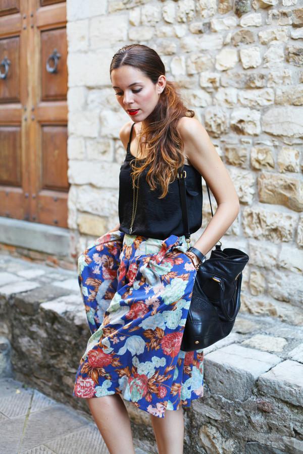 irene closet skirt t-shirt bag shoes