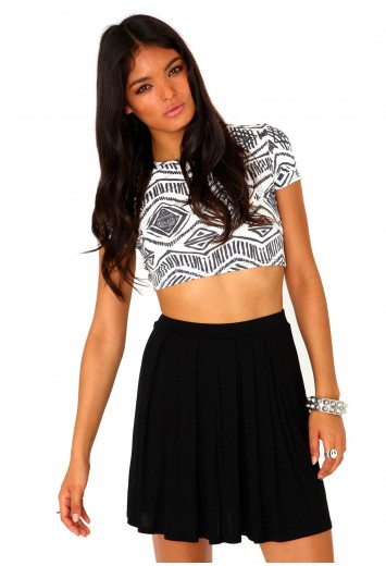 Elayna pleated skater skirt in black