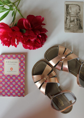 shoes,sandals,flat sandals,Gold low heel sandals,gold sandals,flowers,notebook