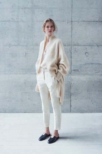 le fashion image blogger top cardigan pants white pants loafers flats