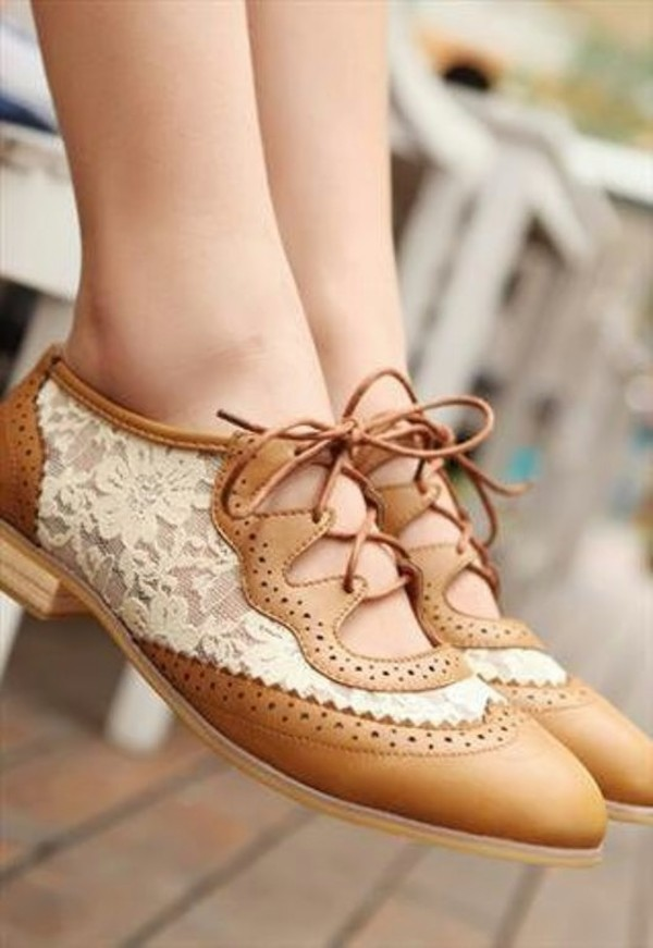 shoes lace oxfords lace up leather brown white cute pretty dress clothes faux hipster oxfords lace oxfords casual lace tan cut-outs vintage shoes flats flats brown shoes lace shoes cute shoes beige shoes tan shoes google style fashion boho chic tan white lace oxfords beige