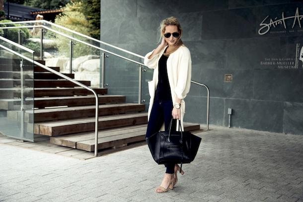 krystal schlegel blogger sweater shoes t-shirt sunglasses