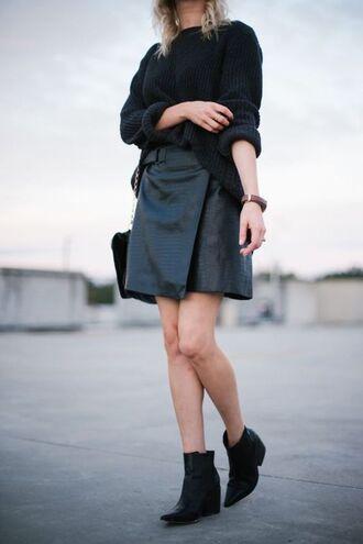skirt tumblr black skirt black leather skirt leather skirt wrap skirt sweater black sweater oversized sweater oversized boots black boots ankle boots all black everything mini skirt and ankle boots