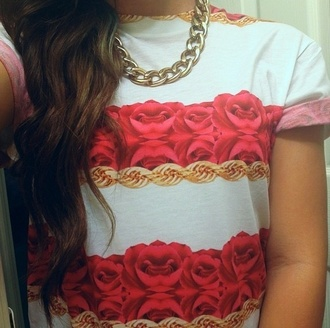 shirt rose red white gold short sleeved jewels t-shirt flowers chain cute clothes top flower fashionable cure réduit love pink or roses gold chain rose gold statement pattern rose print chain print tumblr clothes white shirt gold chain print crew neck shirt crew neck floral shirt flower print t-shirt gold necklace