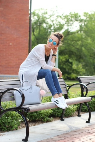 lilly's style blogger sweater jeans tank top shoes bag jewels casual friday adidas skinny jeans cropped jeans blue bag light blue black top aviator sunglasses weekend outfits