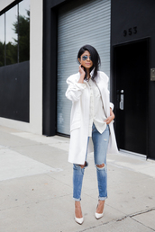 walk in wonderland,blogger,white coat,ripped jeans,white shirt,casual,white oversized coat