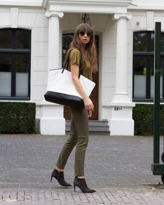 pants tumblr khaki khaki pants skinny pants t-shirt bag white bag boots ankle boots