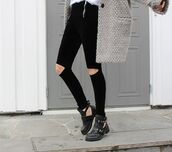 jeans,grunge,shoes,jacket,ankle boots,knitted cardigan,knitwear,cut out ankle boots,pants,high waisted,ripped,zip,cardigan,grey,grey cardigan,ripped jeans,oversized cardigan,little black boots,fall outfits,leggings,fashion,black ripped jeans,black shoes,cut out boot,black boots,black