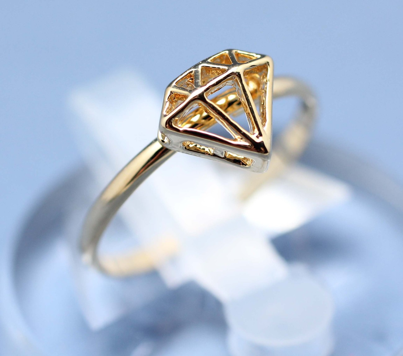 Diamond Shape Cutout adjustable ring in gold - Rings