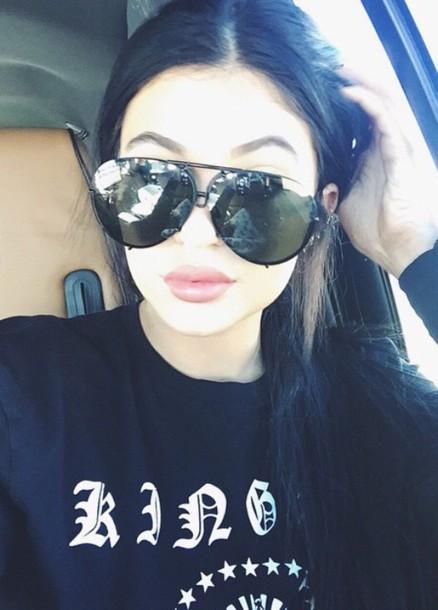 sunglasses blak aviators kylie jenner sweater kylie jenner kylie jenner