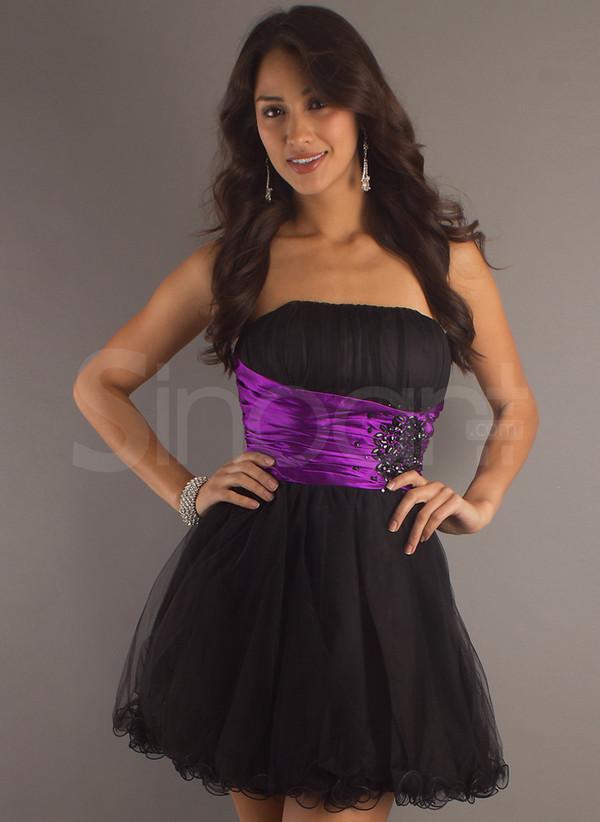 dress sleeveless and have beadings