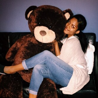 jeans chloe vero model curvy plus size blue jeans boyfriend jeans cardigan pink cardigan teddy bear