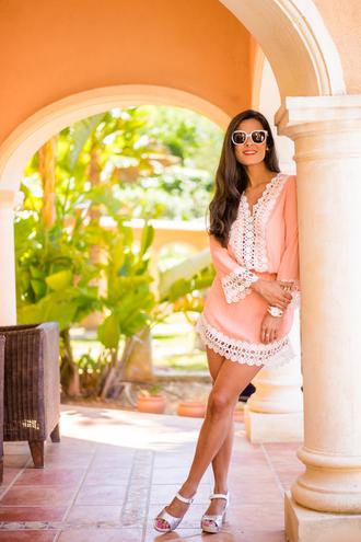 crimenes de la moda blogger sunglasses shoes pink dress mini dress silver summer dress