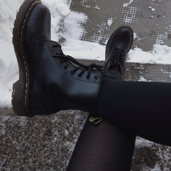 shoes black combat boots boots cool style fashion cute shoes black shoes cute beautiful booties black combat boots perfection grunge hipster military boots heels high heels black boots blakboots DrMartens portugal
