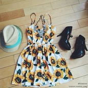 dress,sunflower,sunflower dress,hipster,flowers,summer dress,shoes,hat,love that,loved it,want that so much,style,cute,love this,need that
