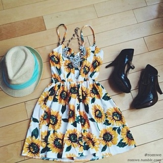 dress sunflower hipster flowers summer dress shoes hat love that loved it want that so much style