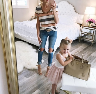 t-shirt skinny jeans distressed denim sandals blogger blogger style striped t-shirt gucci belt