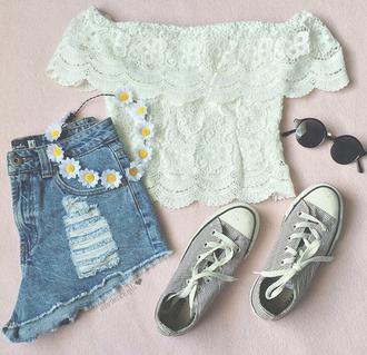 shirt lace white shoes sunglasses stripes converse