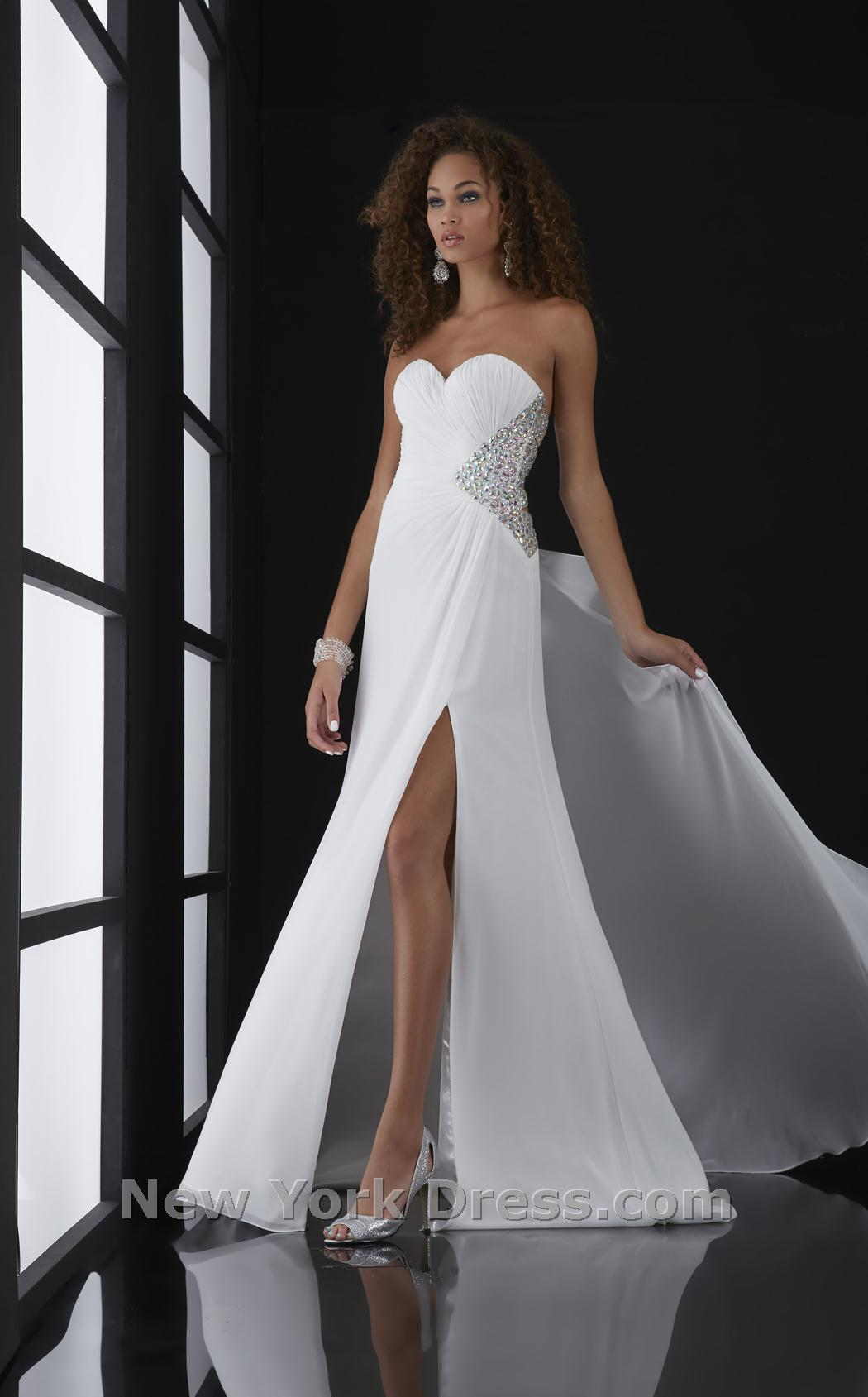 Jasz Couture 5007 Dress - NewYorkDress.com
