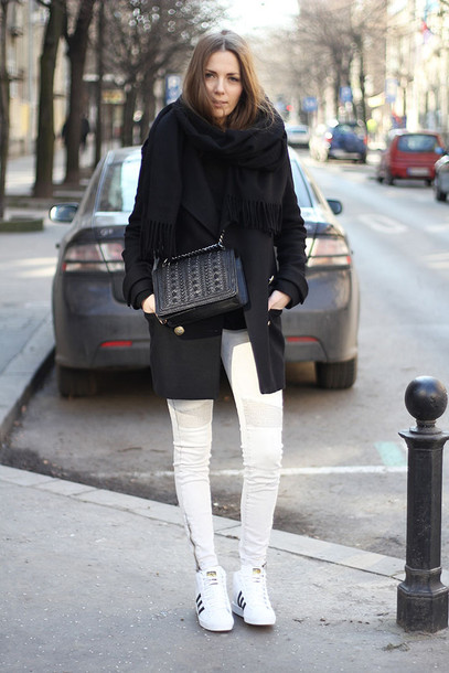 fashion and style blogger zara black bag grey jeans black coat shoes jeans sweater coat scarf bag black scarf white jeans white sneakers