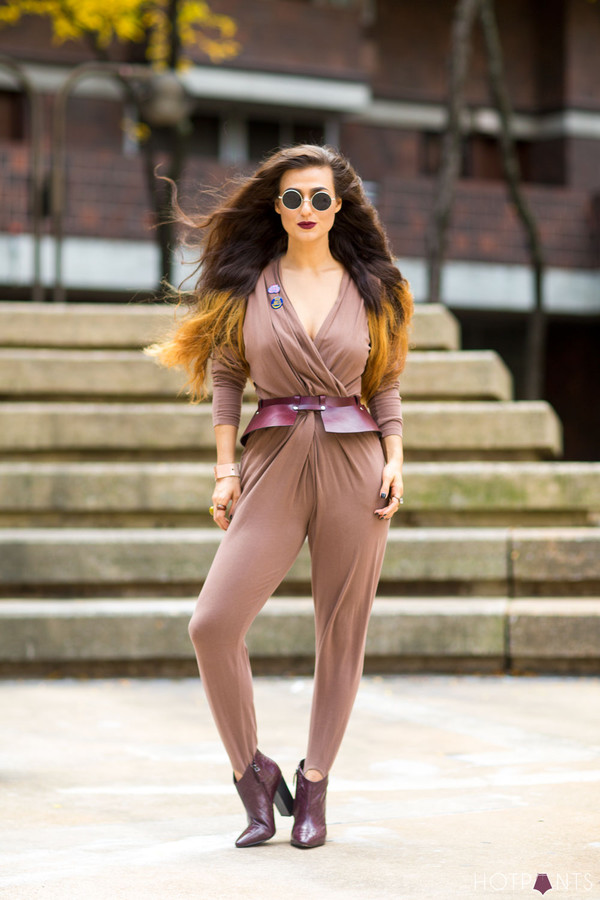 do the hotpants blogger make-up jumpsuit belt leather boots