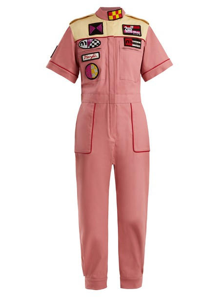 MIU MIU Marilyn badge-appliqué cotton-blend jumpsuit in pink / multi