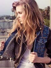 black jacket,blue jeans,stars,short leaves,jacket,studded jacket,studs,hair accessory