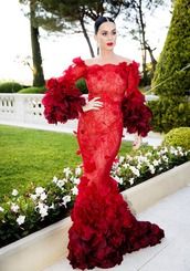 dress,katy perry,celebrity style,celebrity,red dress,maxi dress,red maxi dress,mermaid prom dress,mermaid dresses,long sleeves,long sleeve dress,off the shoulder dress,gown