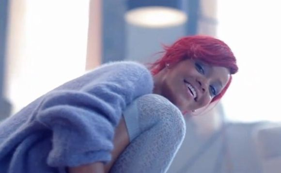 rihanna blue sweater what's my name jumper