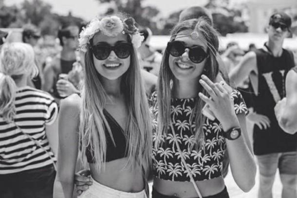 top crop tops boho sunglasses stylish b&w