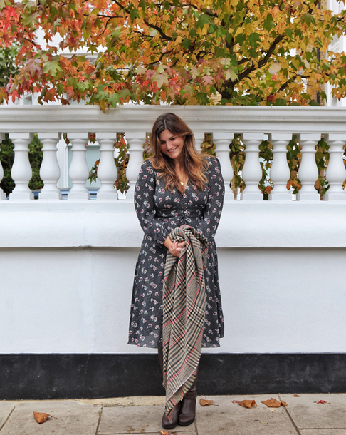 fashion foie gras blogger dress scarf jewels shoes fall outfits midi dress plus size dress curvy boots