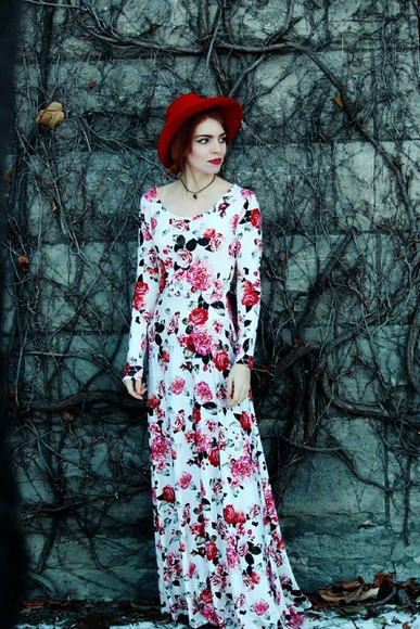 blogger floral secret garden boho hippie indie red hat hat maxi dress