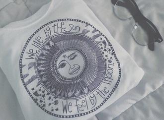top white top moon suglases croptop blackandwhite black t-shirt white t-shirt