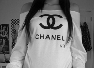 off the shoulder t-shirt chanel shirt white black