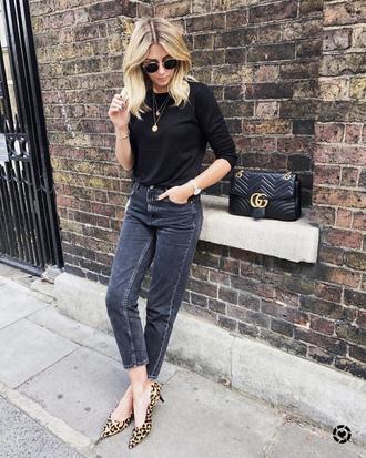 shoes top tumblr leopard print mid heel pumps pumps pointed toe pumps denim jeans black jeans black top sunglasses bag black bag