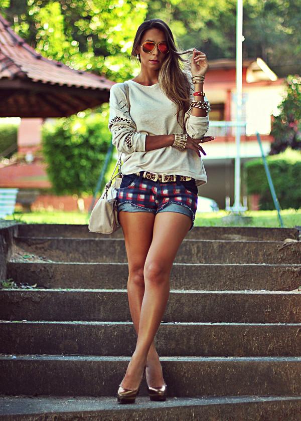 decor e salto alto sweater shorts belt jewels shoes