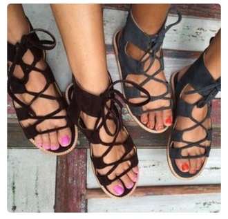 shoes sandals flat sandals cute sandals black sandals flats black grey black shoes black and white lace up lace up sandals clothes summer flip-flops outfit black lace up sandals