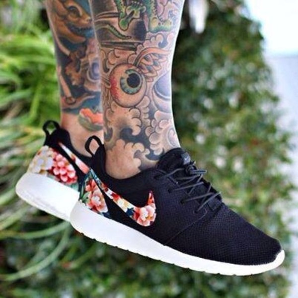 shoes nike roshe run nike running shoes nike roshe run black grey floral nike roshes floral floral nike floral shoes nike shoes roshes black shoes white jeans