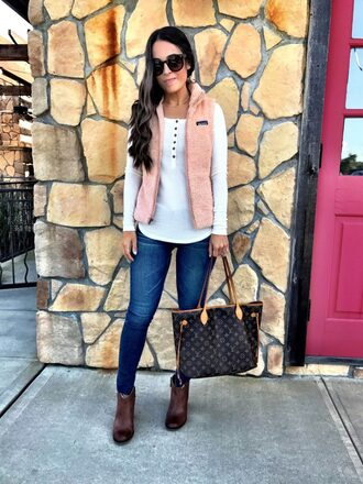 mrscasual blogger top jeans shoes sunglasses jewels bag louis vuitton bag ankle boots white top vest fall outfits