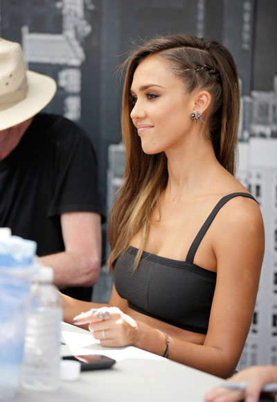 jessica alba jewels earrings piercing