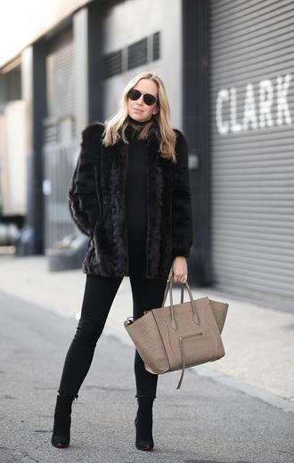 brooklyn blonde blogger sunglasses fur black coat brown bag black jeans black boots