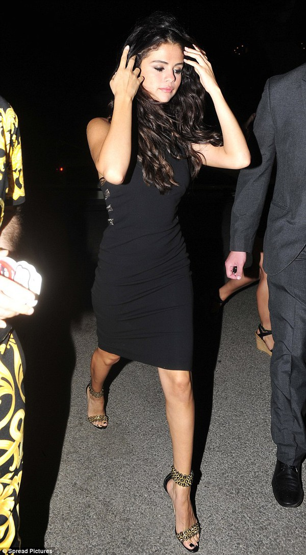 dress selena gomez outfit style