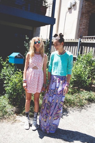 skirt maxi patterned maxi skirt turquoise floral dress sweater blue tumblr girl fashion sunglasses pink sunglasses