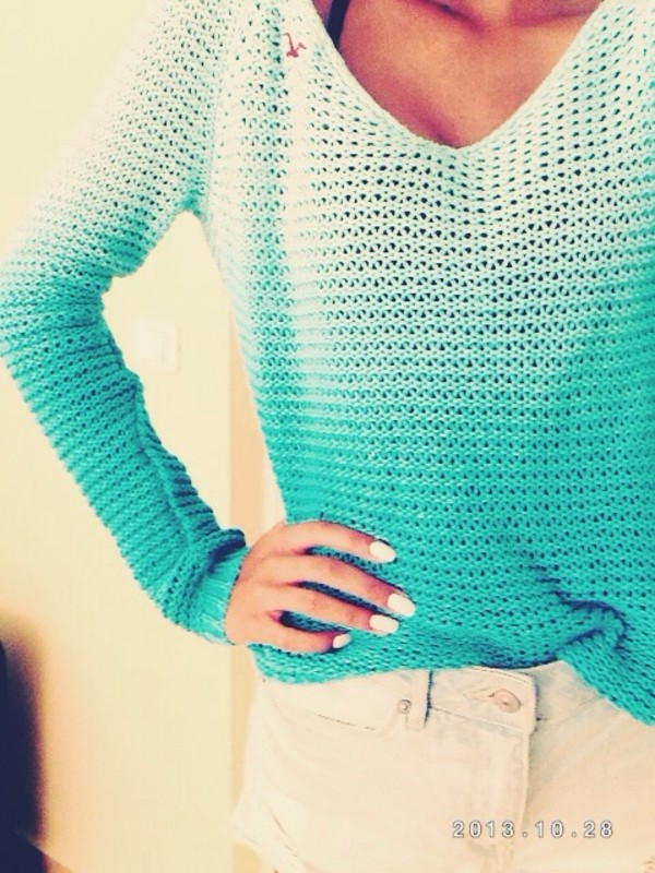shirt hollister abercrombie & fitch cute cute sweaters girly hot swag high waisted levi's shorts tumblr girl tumblr clothes cozy sweater ombre sweater blue ombre