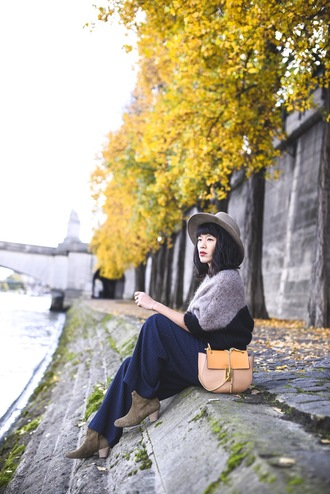 le dressing de leeloo blogger jacket shoes fall outfits sweater pants hat bag blue pants ankle boots felt hat