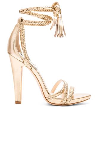 heel metallic gold