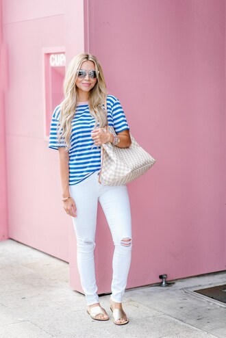 t-shirt skinny jeans distressed denim tote bag louis vuitton blogger blogger style striped t-shirt white skinny jeans slide shoes