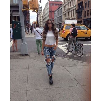 jeans one teaspoon kyla centomo blogger youtuber canada new york city nyfw new york fashion week fashion week urban casual denim boyfriend jeans boyfriend white t-shirt destroyed boyfriend jeans revolve clothing revolve revolveme